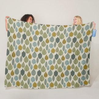 Cold Weather Leaves Pattern Fleece Blanket