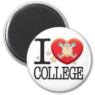 College Love Man 6 Cm Round Magnet