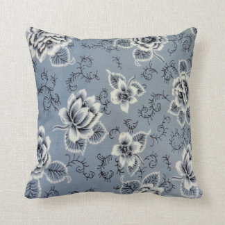 Colonial Blue Flower Pattern | Throw Pillow