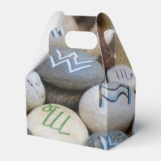 colored stones favour boxes