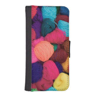 Colorful Alpaca Wool, Huaraz, Cordillera Blanca iPhone SE/5/5s Wallet Case