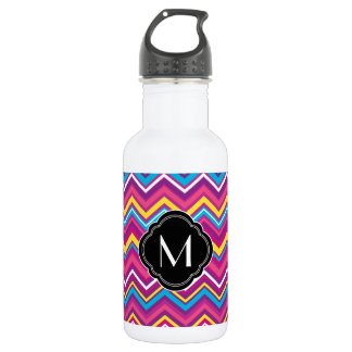 Colorful chevron pattern and monogram 532 ml water bottle