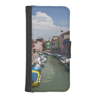 Colorful homes along canal on the island of iPhone SE/5/5s wallet case