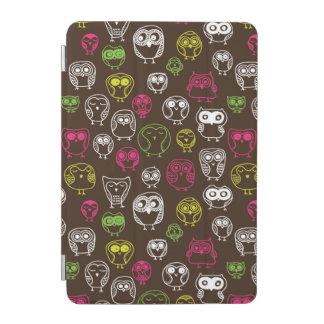 Colorful owl doodle background pattern iPad mini cover