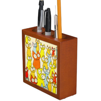 Colorful Staring lot Cats Desk Organiser