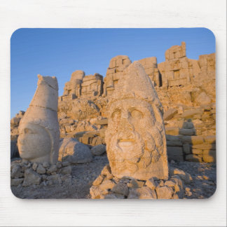 Colossal head statues of Gods guarding the Mouse Mat