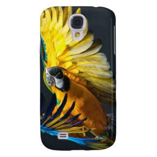 Colourful flying Ara on a dark background Galaxy S4 Case