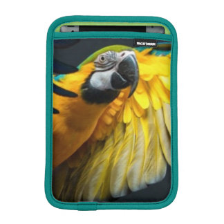Colourful flying Ara on a dark background iPad Mini Sleeve