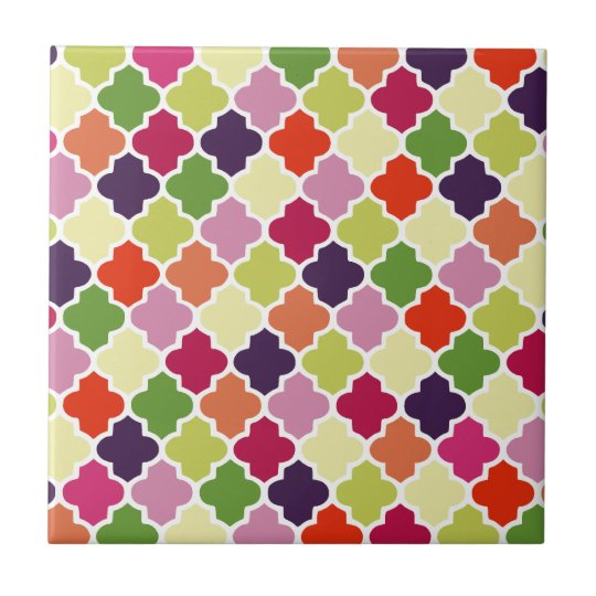 Colourful quatrefoil pattern tile