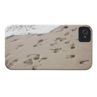 Confused Footsteps in the sand iPhone 4 Cover