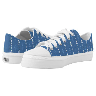 Contemporary blue and white dainty pattern low tops