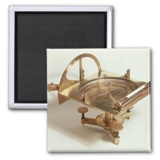 Contour Compass Square Magnet