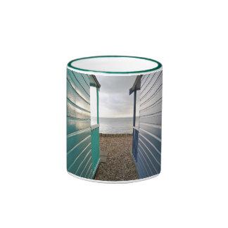 Converging lines mug
