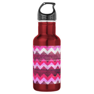 Cool bright pink zigzag seamless wood effects 532 ml water bottle
