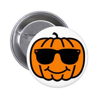 Cool jack-o-lantern with sunglasses 6 cm round badge