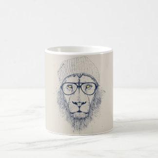 Cool lion basic white mug