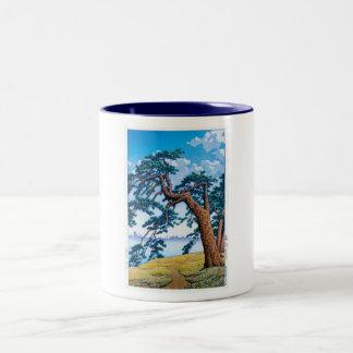 Cool oriental japanese Hasui Kawase tree art Two-Tone Mug
