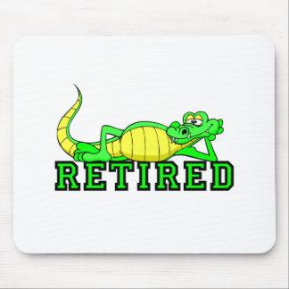 Cool retirement gator mouse mat