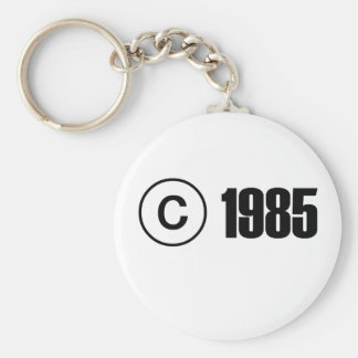 Copyright 1985 basic round button key ring