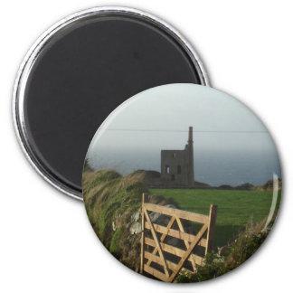 Cornwall tin mine 6 cm round magnet