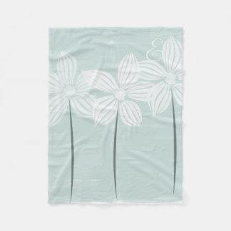 Cosy Pretty White Flowers  Monogram Mint Blanket