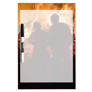Couple in front of campfire Dry-Erase whiteboard