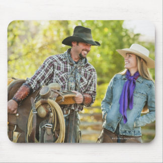 Couple talking mouse pad