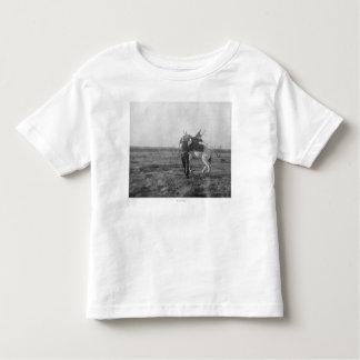 "Cowboy ""Red Saunders"" Saddles a Bronco T-shirts"
