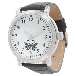 Crab-shaped gentian wristwatch