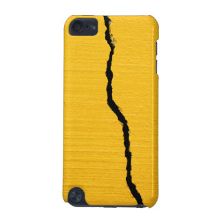 Cracked Yellow Road Paint iPod Touch 5G Cases