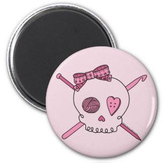 Craft Skull (Pink Background) 6 Cm Round Magnet