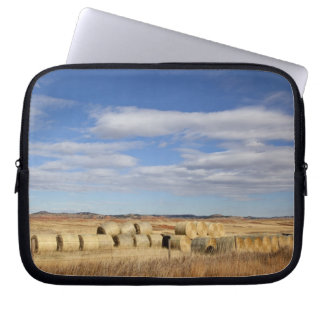 Crook County, Hay Bales Laptop Sleeve
