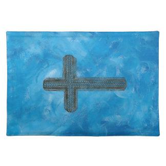 Cross in blue place mats