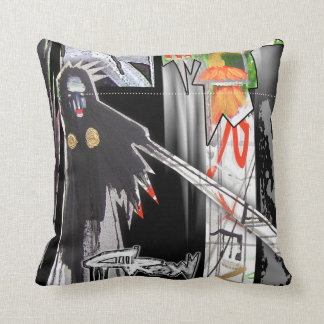 crow bruxa pillow