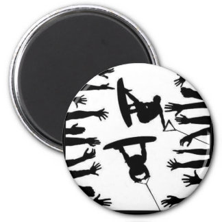 CROWD WAKE BOARDERS 6 CM ROUND MAGNET