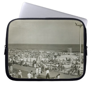 Crowded Beach Laptop Sleeve
