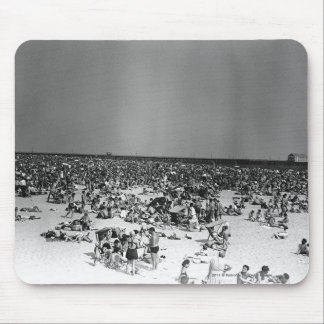 Crowded beach mouse pad