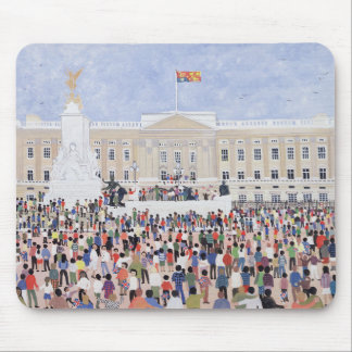 Crowds around the Palace 1995 Mouse Pad