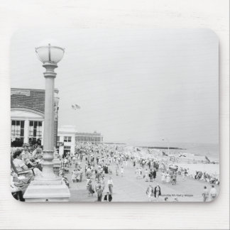 Crowds on esplanade mouse pad