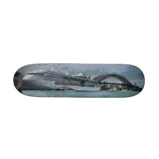 Cruise liner and Sydney Harbour bridge 21.6 Cm Old School Skateboard Deck
