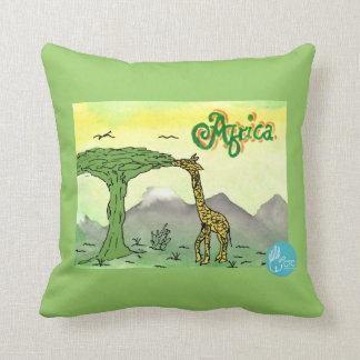 CTC International - Giraffe Throw Cushion