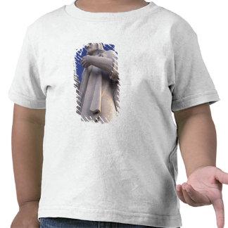 Cuba, Havana, Sculpture of Jesus. Tee Shirts