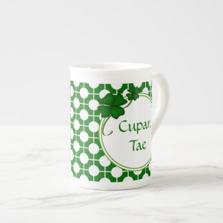 Cupan Tae Gaelic Shamrock Bone China Mug
