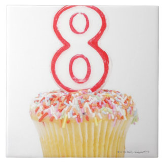 Cupcake with a numbered birthday candle 5 tile