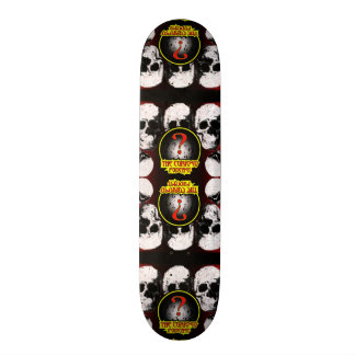 Curioso podcast skull skateboard
