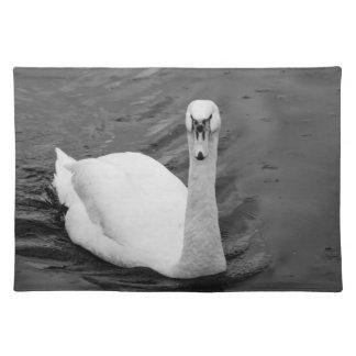 Curious swan placemat
