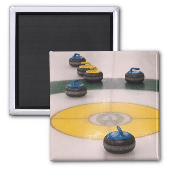 Curling action magnet