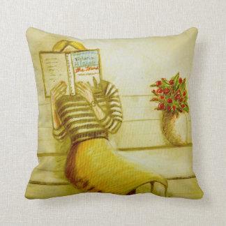 CushyCushions Book Lover Cushion 41 cm x 41 cm