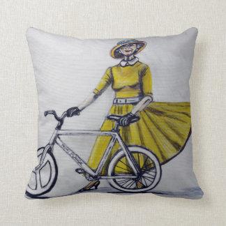 CushyCushions, Vintage lady 41 cm x 41 cm Cushion