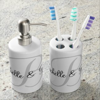 Custom name monogram 2 piece bathroom gift set
